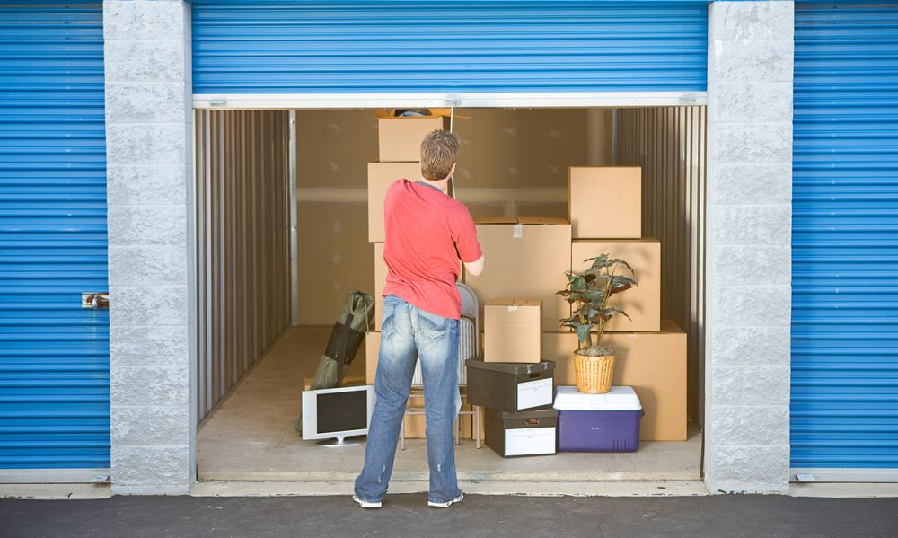 how to store items in a self storage unit