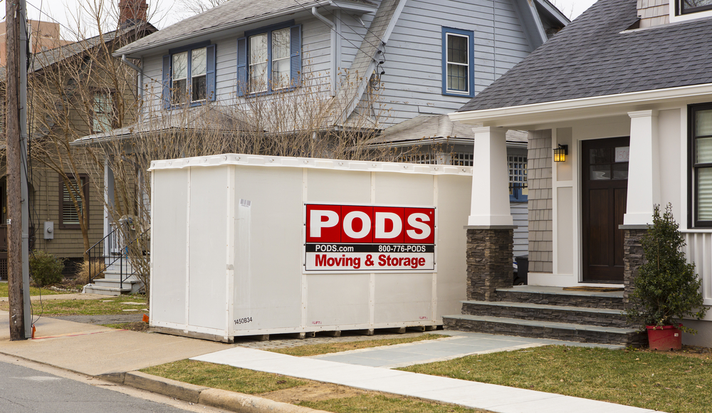 Self-Storage Units vs. Curbside Storage Pods: Pros and Cons